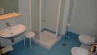 Bagno della camera standard tripla e quadrupla con balcone